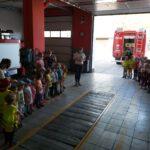 Dzieci z przedszkola w Łubnianach w remizie OSP Łubniany