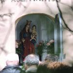 Cudowna kapliczka i figura Matki Bożej z Dzieciątkiem