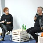 Prowadząca oraz Wojciech Tochman